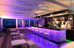 Legendary Blue Oyster Bar