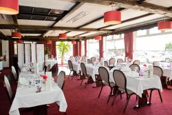 Restaurant in BEST WESTERN Beachcroft Hotel