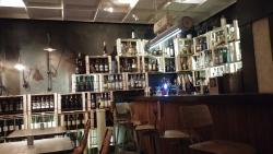 Nice cafe restaurant, mediocre food