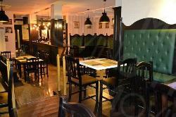 Tony's Pub