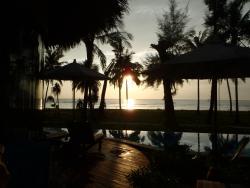 Oceanfront Jacuzzi Villa Sunset.
