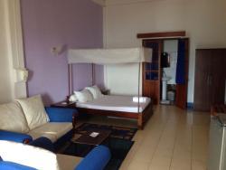 Joli hôtel bien situé en bord de mer