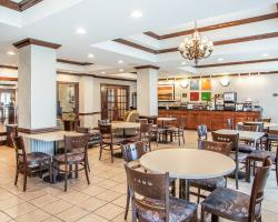 Comfort Inn & Suites Carney's Point