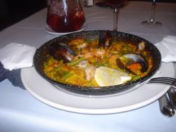 famosa paella di pesce e carne