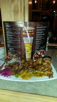 Leñas Pizzas, Bar & Grill