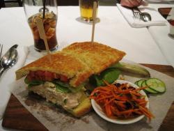 Tuna Sandwich mit Karottensalat
