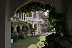 Darbargadh Palace      Poshina