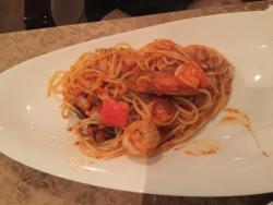 Seafood spaghetti + fried seafood (calamari,shrimp..)