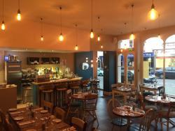 No 3  Restaurant & Bar