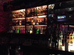 Shaker's American Bar & Restaurant