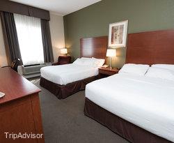 Holiday Inn Express Suites Gananoque