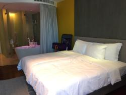 Convenient location, Cozy room plus Friendly staffs