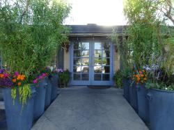 Luna Restaurant & Catering