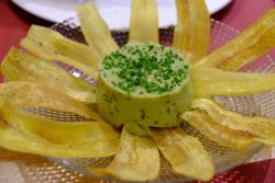 Guacamola with Banana Plantain Chips