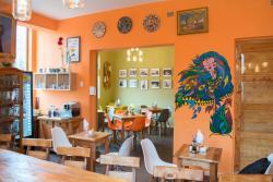 Luna Cafe Bar