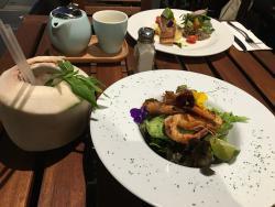 Aero Cafe & Bar