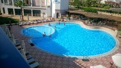 New La Perla Hotel