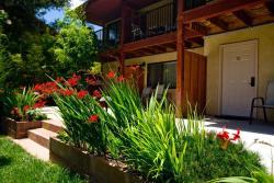 Cliffrose Lodge & Gardens