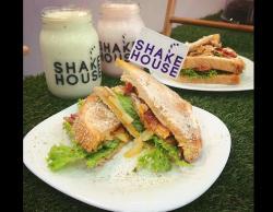 Shake House