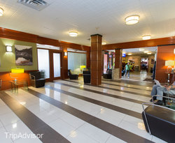 Lobby at the Comfort Inn Toronto Airport