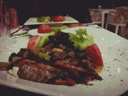 Lollo Rosso Cafe & Bistro