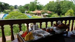 Ausblick vom Speisesaal mit leckerem Frühstück