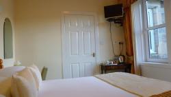 Standard Double Ensuite Bedroom