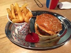 Huxtaburger Fulham Place