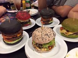 Jeti's Burger & Grill