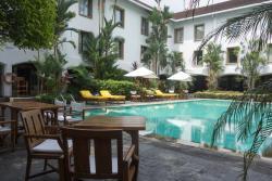 Pool area - Trident, Cochin (Kochi)