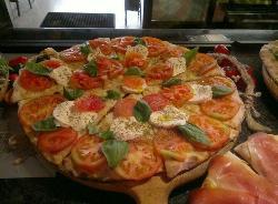 Pizzeria Roxy Pizza