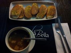 Isola Bella Cafe