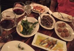 La Nacional Restaurant