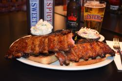 Lester's Sports Bar & Grill