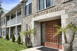 Shaw Club Hotel