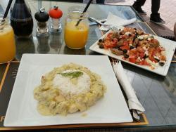 Public Cafe