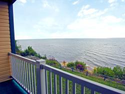 Magnuson Grand Hotel Lakefront Paradise