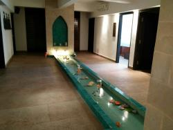 Spa Pool and Lobby area