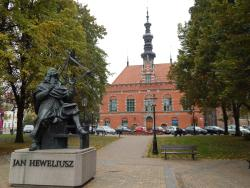Heweliusz Monument