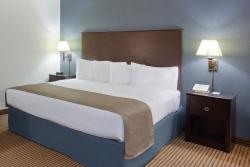AmericInn Lodge & Suites Menominee