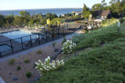 Edgewater Hotel & Waterpark
