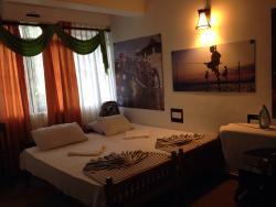 Senathilaka Guest Inn & Restaurant