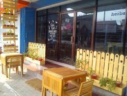 Reina Herbal Cafe