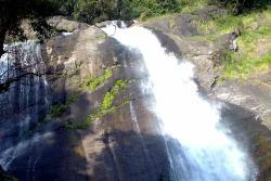 Keezharkuthu Falls