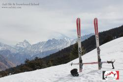 Auli Ski & Snowboard School