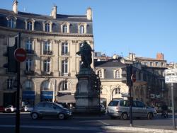 Statue du Marquis de Tourny