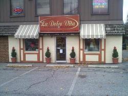 La Dolce Vita Italian Bakery