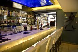 Hackmanite Bar & Lounge