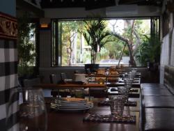Le Bon Vivant Restaurant