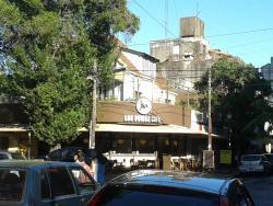 Los Pumas Cafe